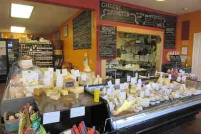 ctmy79-cheese traveler's interior