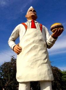 05 Charlie Statue BELOW