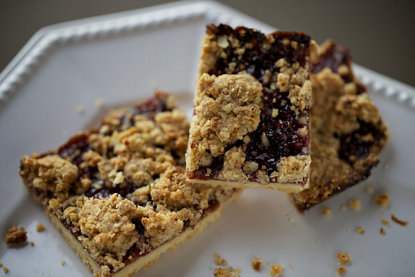 Raspberry hazelnut bars