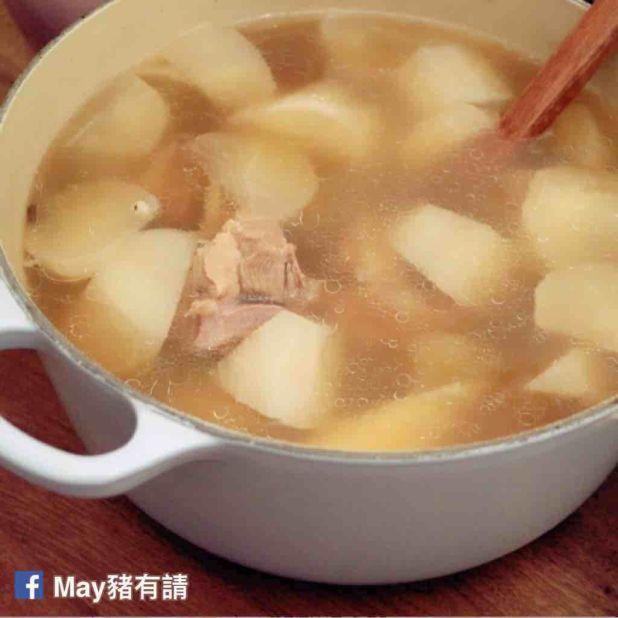 蘿蔔薏米淮山茨實排骨湯