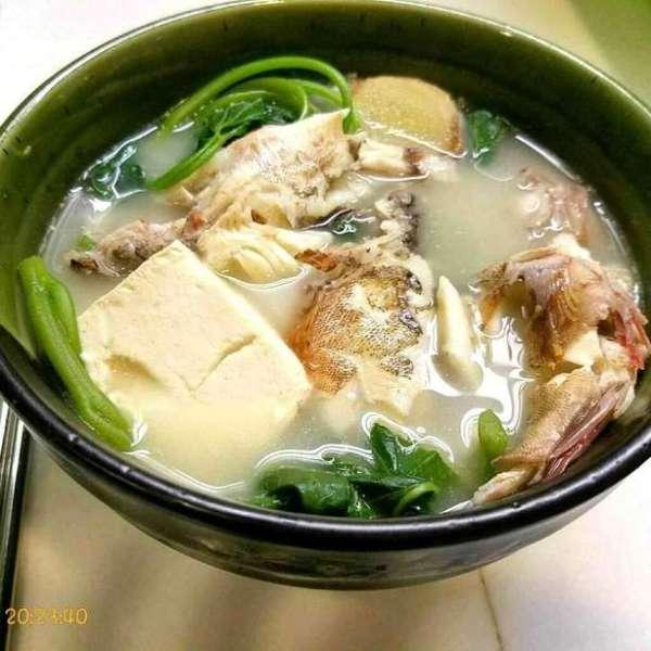 石九公豆腐滾菜湯