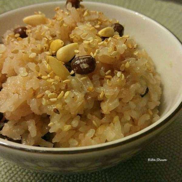 電飯煲煮昆布紅豆糯米飯