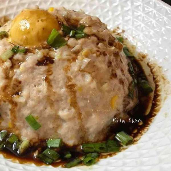 鹹蛋粟米雞肉餅
