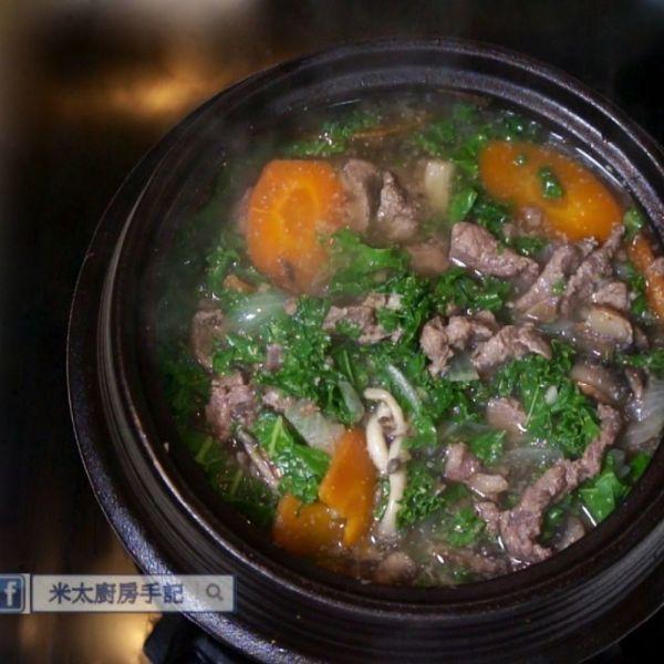 甘藍菇菇牛肉鍋