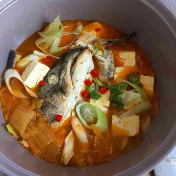 韓式泡菜三文魚頭豆腐鍋