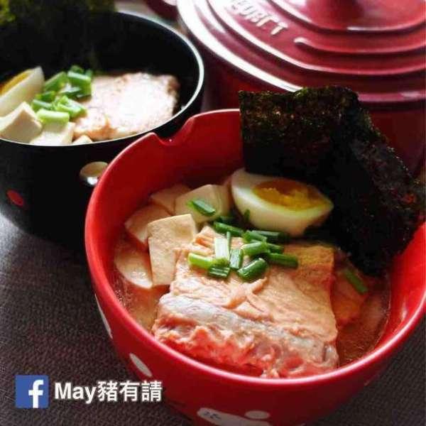 三文魚骨豆腐麵豉湯烏冬