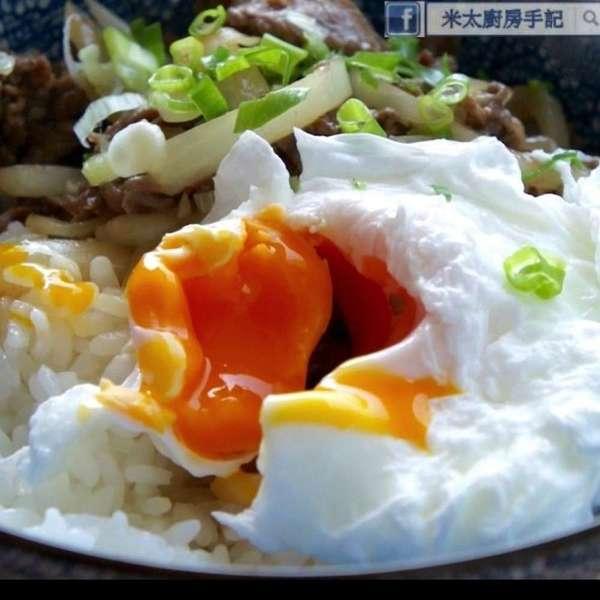 日式水波蛋牛肉飯