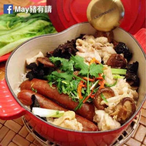 鹽焗北菇滑雞臘腸煲仔飯