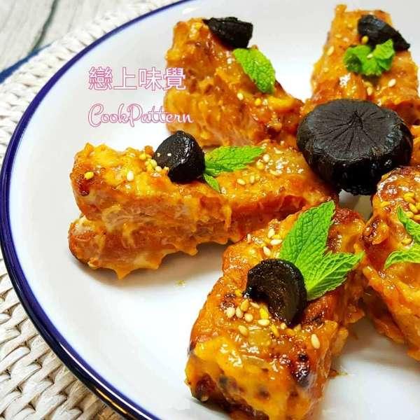韓式香辣黑蒜沙拉骨