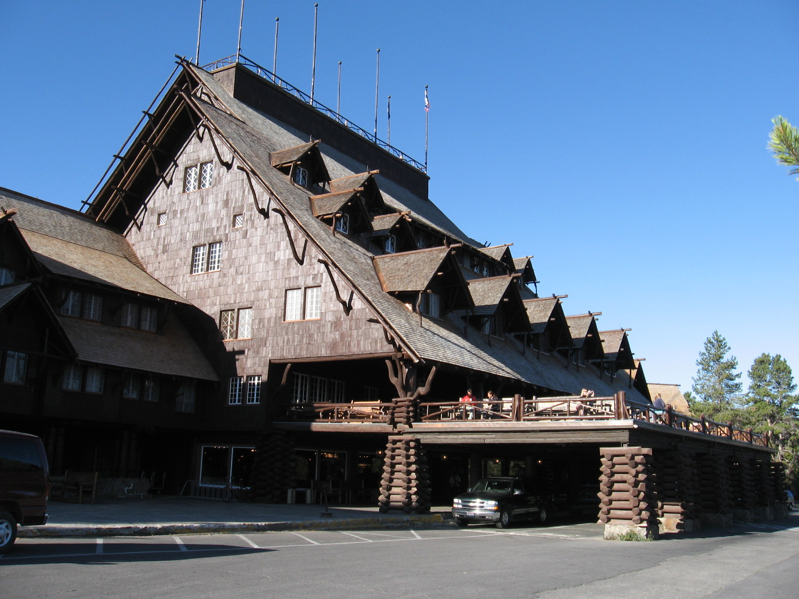 Old Faithful Inn, built 1904-5