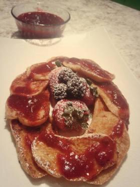 Tostadas francesas con mermelada de fresas
