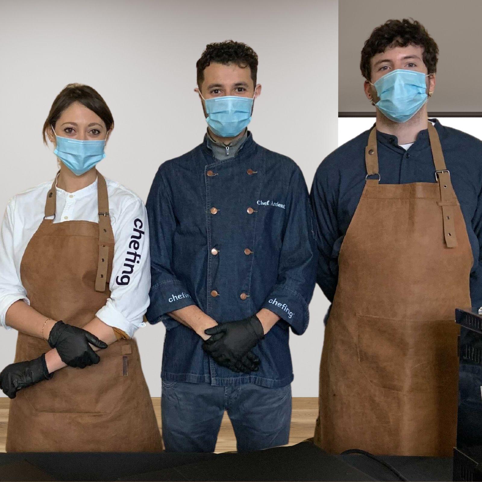 staff masqué sur événement physique