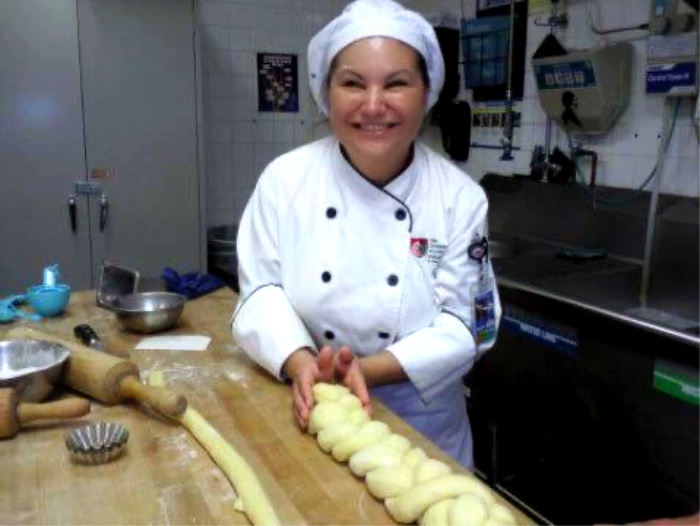 chef rosie, cocinera latina, baja california, comida calimex, la jefa del restaurante provecho grill