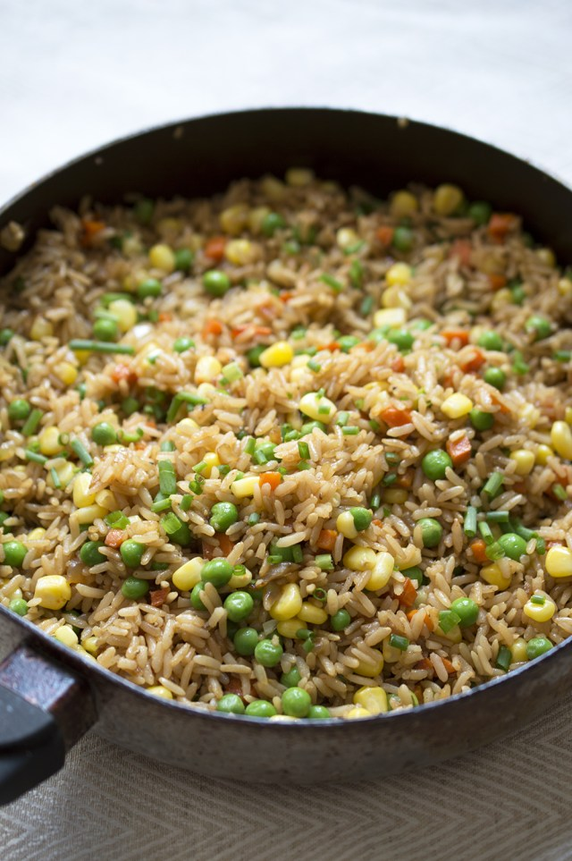 Easy Vegetable Fried Rice | chefsavvy.com