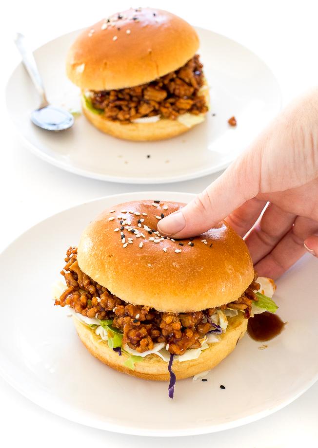 Easy Asian Sloppy Joes | chefsavvy.com