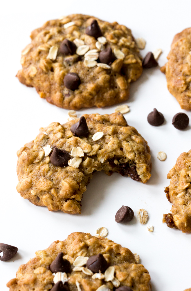 Banana Oatmeal Chocolate Chip Cookies | chefsavvy.com