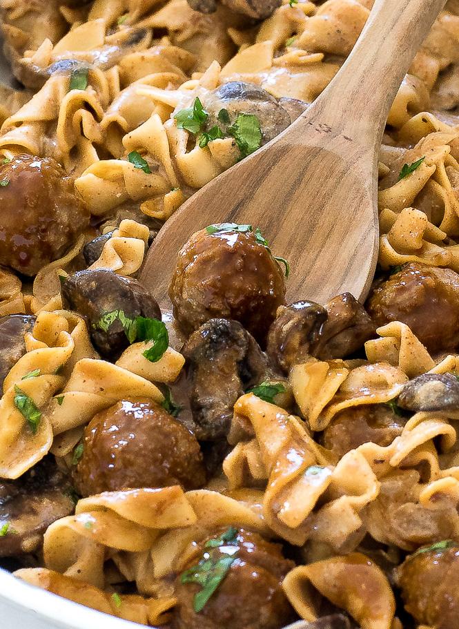 Beef Stroganoff Meatballs | chefsavvy.com