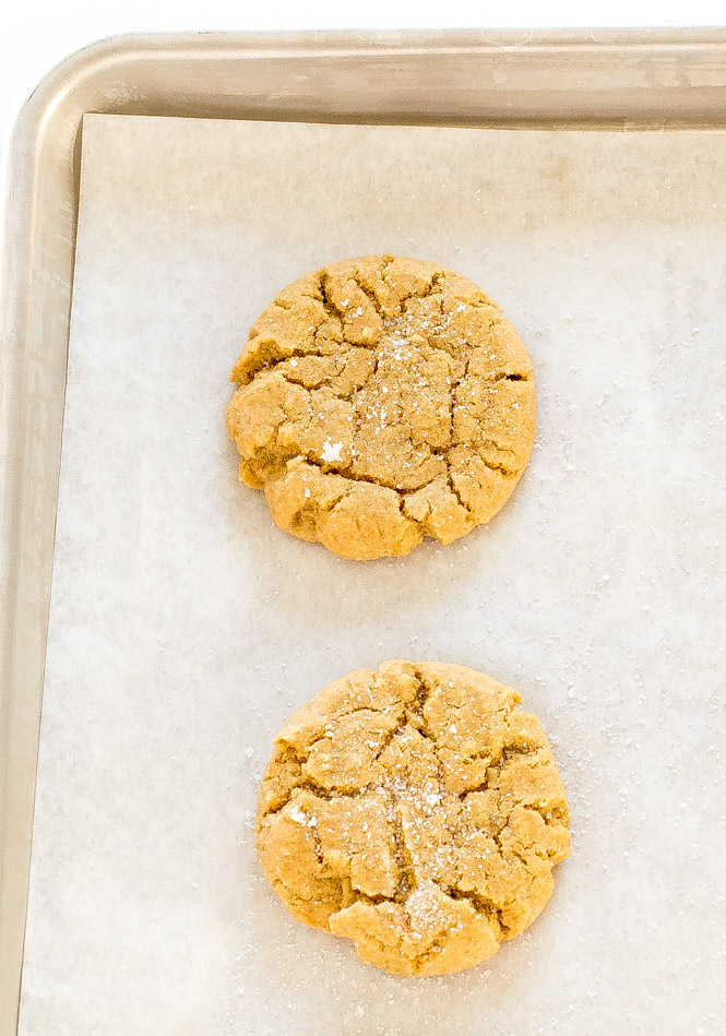 Chewy Peanut Butter Cookies | chefsavvy.com