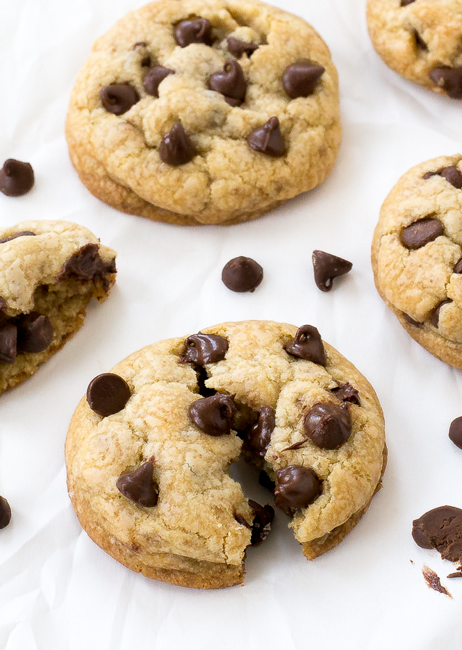 Coconut Oil Chocolate Chip Cookies | chefsavvy.com