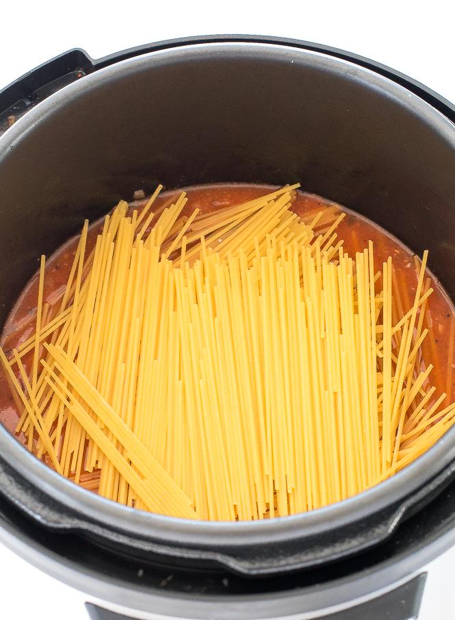 Easy Instant Pot Spaghetti | chefsavvy.com