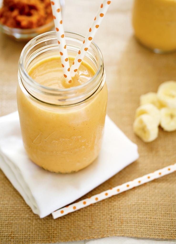 Easy Pumpkin Banana Smoothie | chefsavvy.com