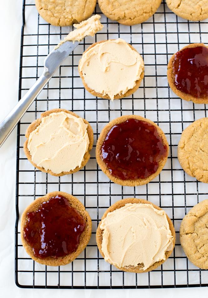 PB & J Cookies | chefsavvy.com