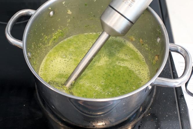 Creamy Broccoli Spinach Soup Recipe | chefsavvy.com