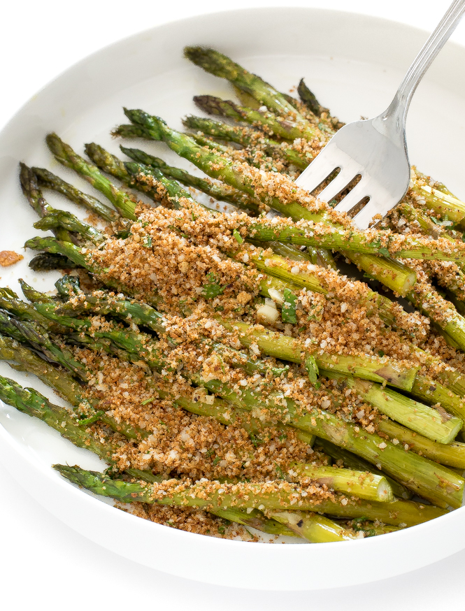 Easy Roasted Asparagus With Garlic Breadcrumbs Recipe | chefsavvy.com