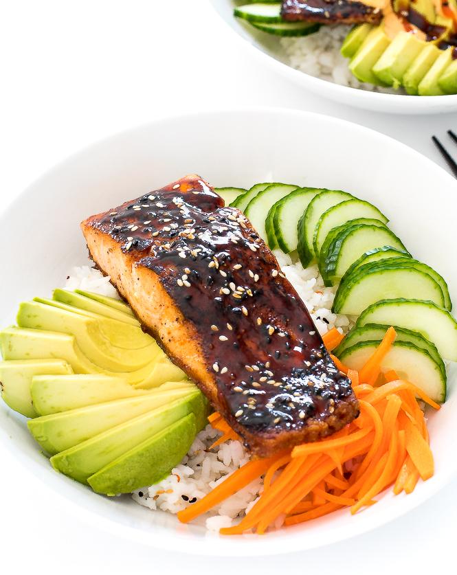 Salmon Sushi Bowls | chefsavvy.com