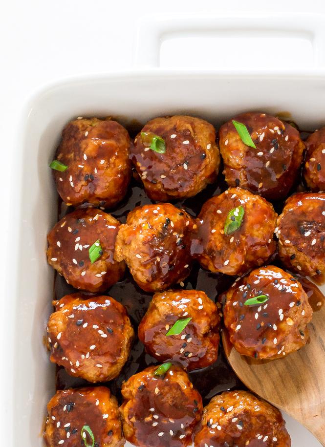 Sriracha Meatballs | chefsavvy.com