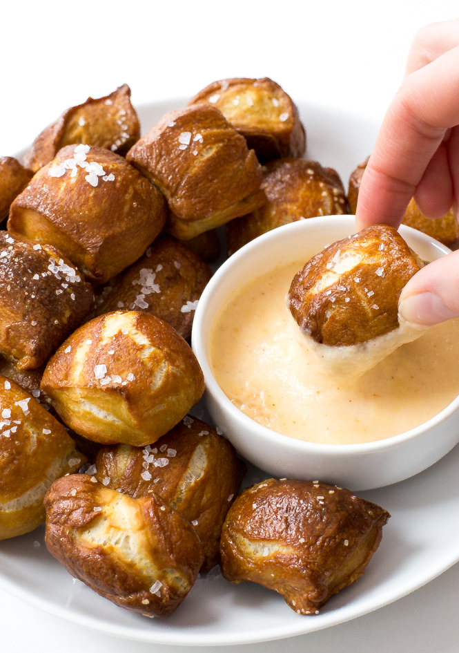 christmas dinner recipes appetizer soft pretzel bites with cheddar cheese sauce
