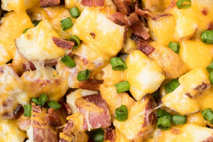 Baked Garlic Cheesy Potatoes