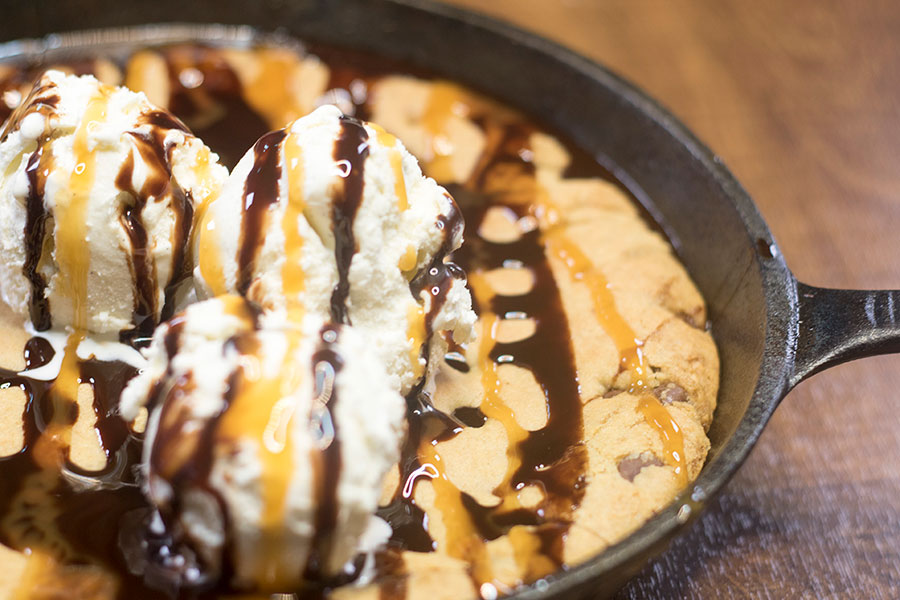 Vanilla Chocolate Chip Cookie Skillet