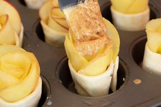 Puff Pastry Cinnamon Apple Roses