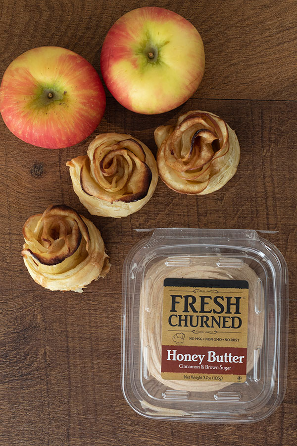 Puff Pastry Cinnamon Apple Roses