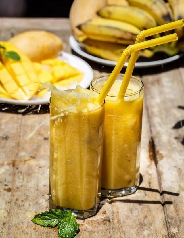Smoothie mango and banana