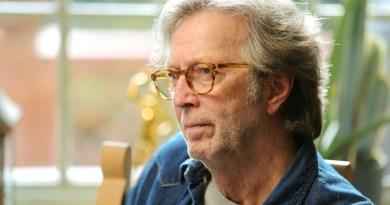 Эрик Клэптон поделился «катастрофическими» последствиями прививки AstraZeneca