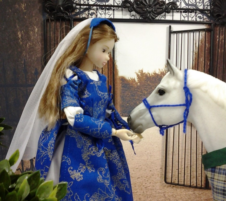 "Image of Momoko Doll with Breyer Horse ""Snowman"""