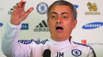 A reação da torcida se dividiu entre vaias e risadas (Foto: Sky Sports)