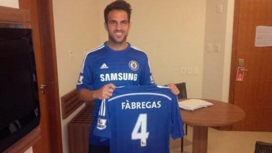 Agora é oficial! Cesc Fàbregas é jogador dos Blues (Foto: Chelsea FC)