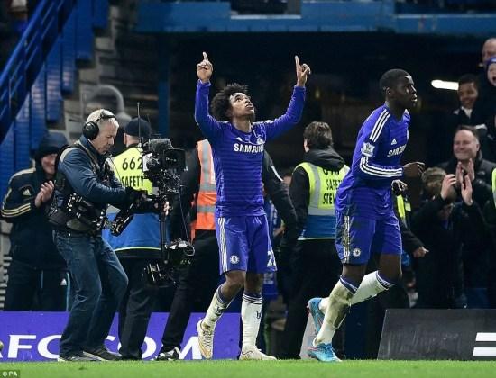 Willian garante a vitória dos Blues nos minutos finais da partida