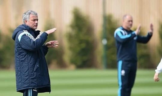 Mourinho acredita que time merece ser campeão (Foto: Chelsea FC)