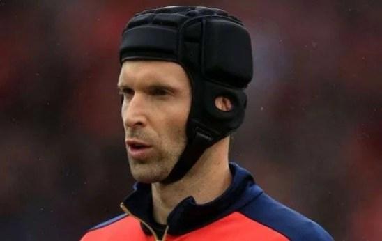 Cech foi preterido por Courtois na temporada passada