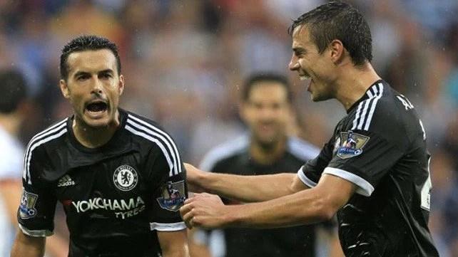 Azpilicueta reencontra no Chelsea seus companheiros de seleção (Foto: Site Oficial Chelsea FC)