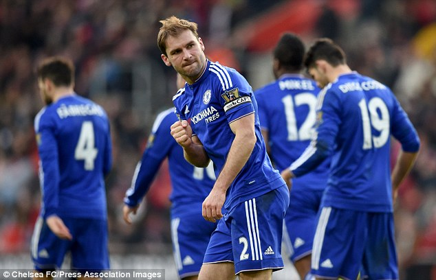319EBE6100000578-3467261-Chelsea_s_stand_in_skipper_clenches_his_fist_in_celebration-a-7_1456601054385