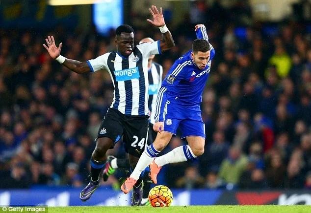 Em má fase no Chelsea, Hazard não negou que se mudaria para o PSG
