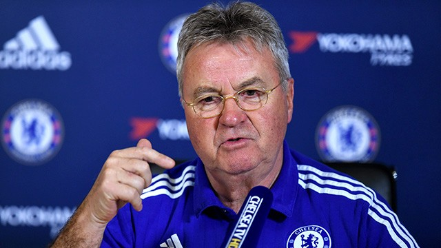 Hiddink confirmou que Terry está fora (Foto: Chelsea FC)