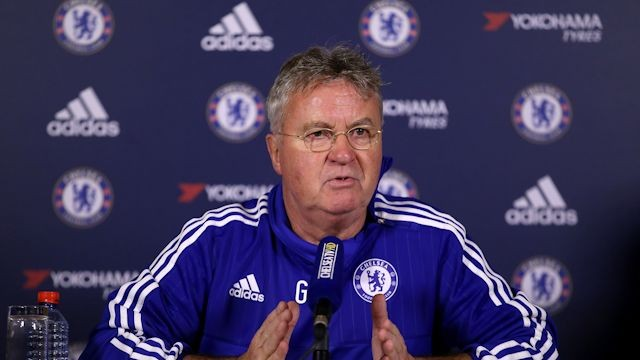 Hiddink não lamentou a ausência de Terry (Foto: Chelsea FC)