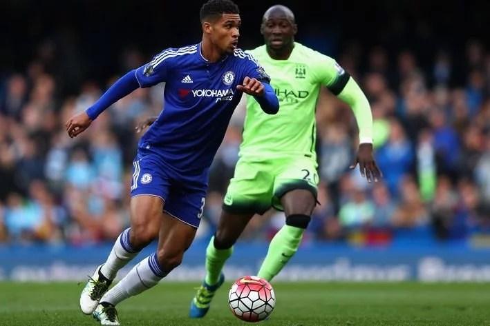 Novamente, meia inglês foi o melhor blue em campo e alimentou esperanças para 2016/17 (Foto: Paul Gilham/Getty Images)