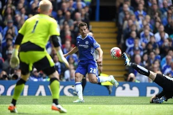 Azpilicueta terminou a partida como zagueiro (Foto: Chelsea FC)